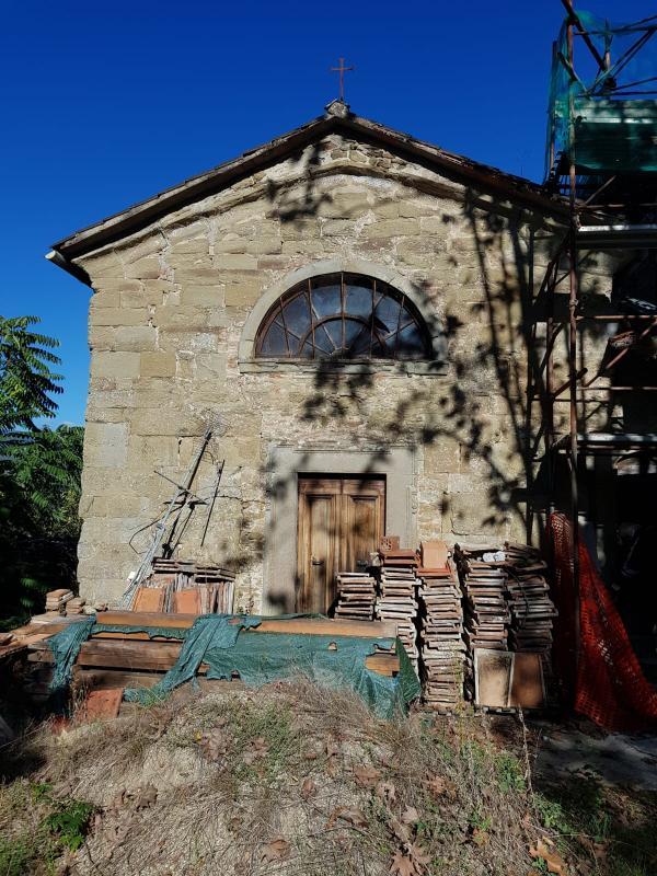 vendiamo IMMOBILE DA RISTRUTTURARE provincia Arezzo