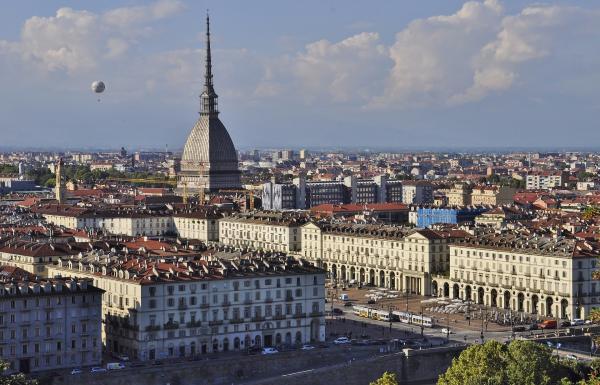 vendiamo BAR CAFFETTERIA TAVOLA FREDDA Torino